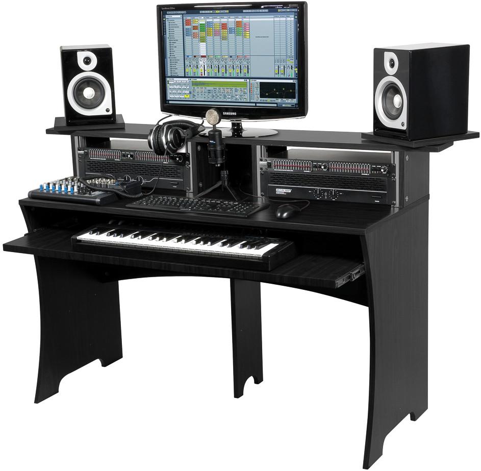 несколько столы для компьютера и аудио аппаратуры фото брака руке